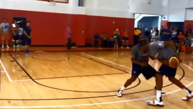 James Harden, Kevin Durant go 1-on-1 at USA Basketball practice