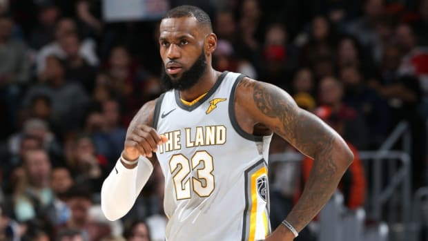 lebron-james-and-cavaliers-completely-outclassed