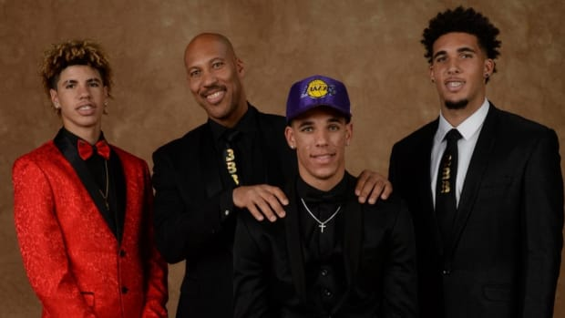 lavar-lonzo-ball-family-facebook-reality-tv-show