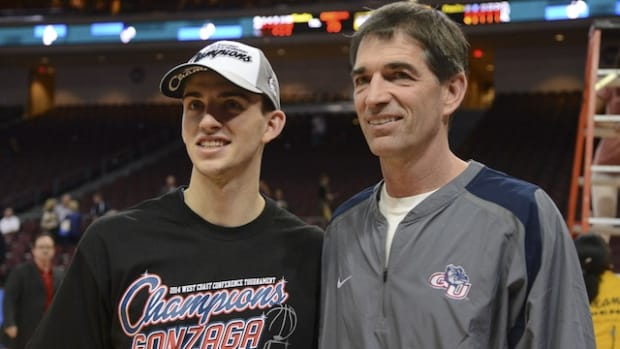 John-Stockton-Coaching-Womens-Basketball