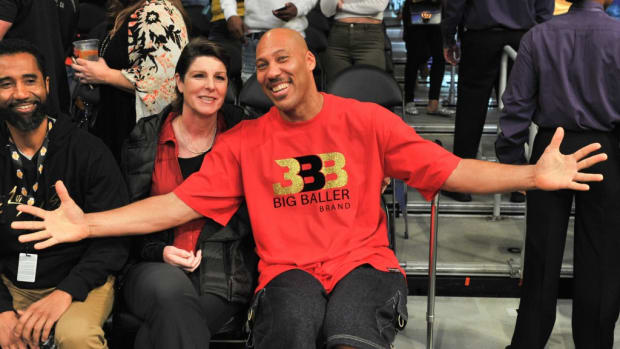 171204-lavar-ball-tina-ball-feature-image