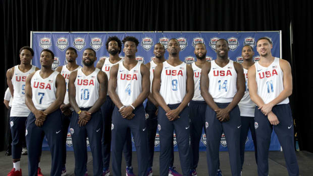 The U.S. men's Olympic basketball team poses for a photo during a news conference, Monday, June 27, 2016, in New York. (AP Photo/Mary Altaffer) ORG XMIT: NYMA101