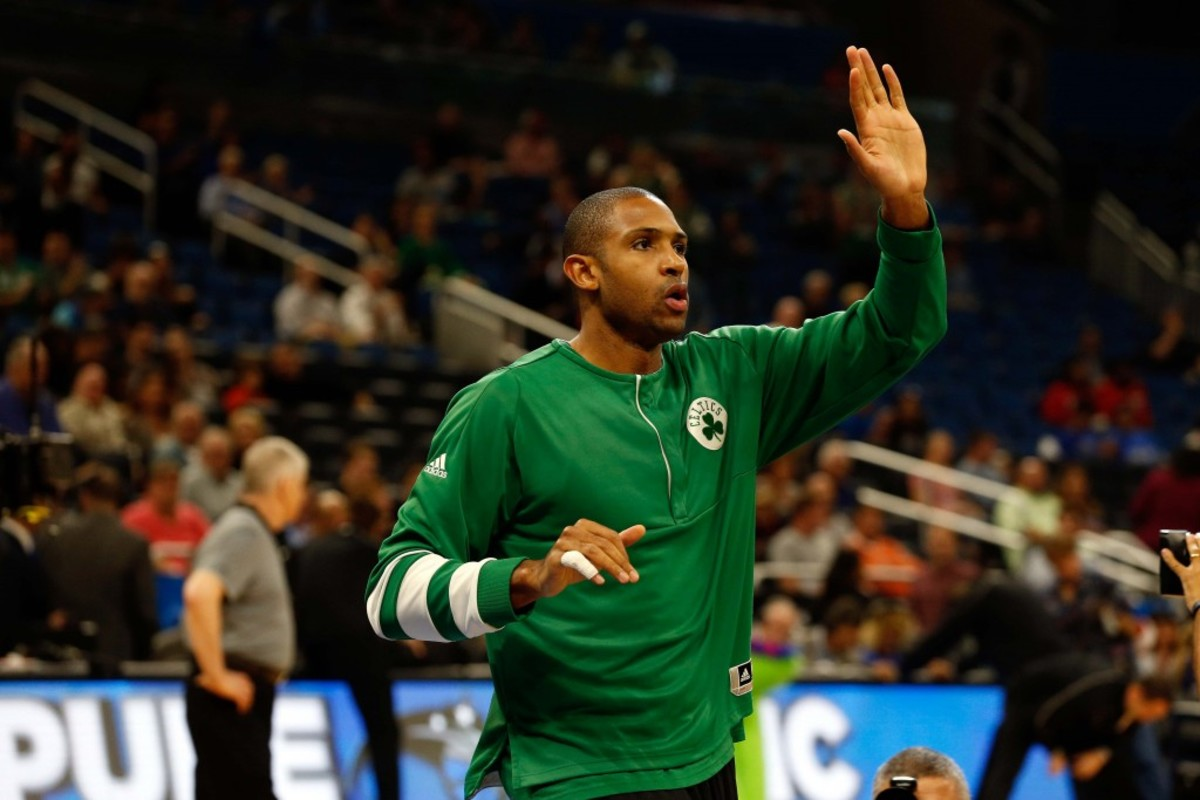 9762543-nba-boston-celtics-at-orlando-magic