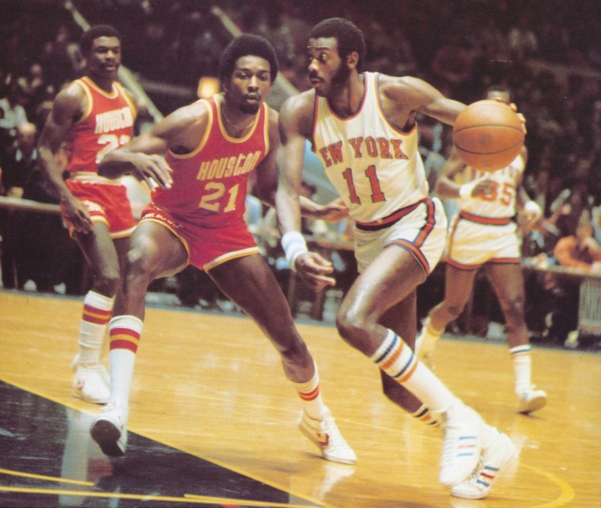 Rockets 76-77 Road Moses Malone (2)