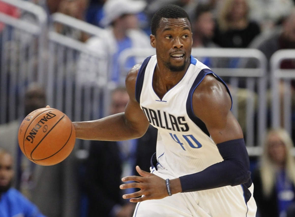 Nov 19, 2016; Orlando, FL, USA;  Dallas Mavericks forward Harrison Barnes (40) brings the ball down court during the first quarter against the Orlando Magic at Amway Center. Mandatory Credit: Reinhold Matay-USA TODAY Sports