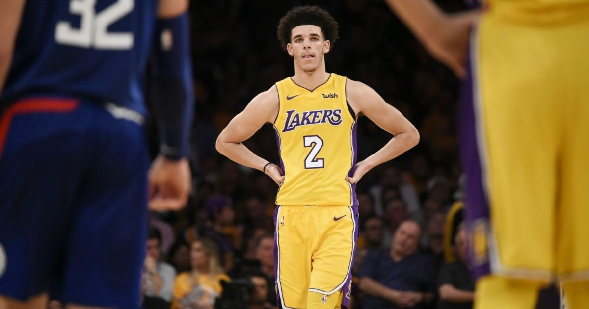 636440987415426762-lonzo-ball