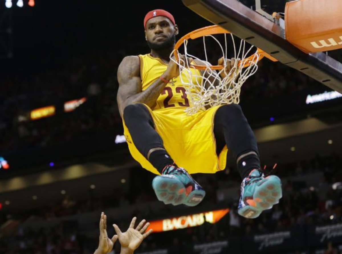 LeBron James chronicles Cleveland Cavaliers' post-shootaround subway ride