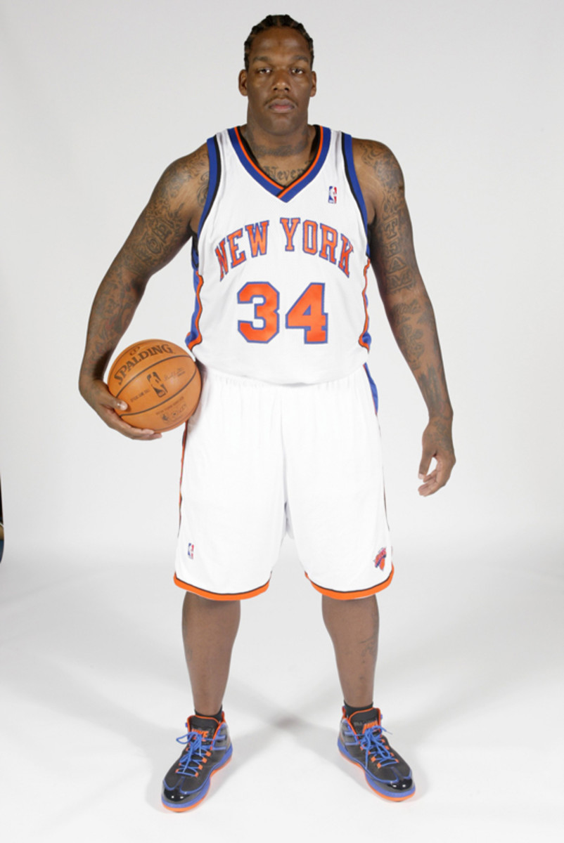 GREENBURGH, NY - SEPTEMBER 29:  Eddy Curry #34 of the New York Knicks poses for a portrait during NBA Media Day on September 29, 2008 at the Madison Square Garden Training Center in Greenburgh, New York. NOTE TO USER: User expressly acknowledges and agrees that, by downloading and or using this photograph, User is consenting to the terms and conditions of the Getty Images License agreement. Mandatory Copyright Notice: Copyright 2008 NBAE (Photo by Ray Amati/NBAE via Getty Images)