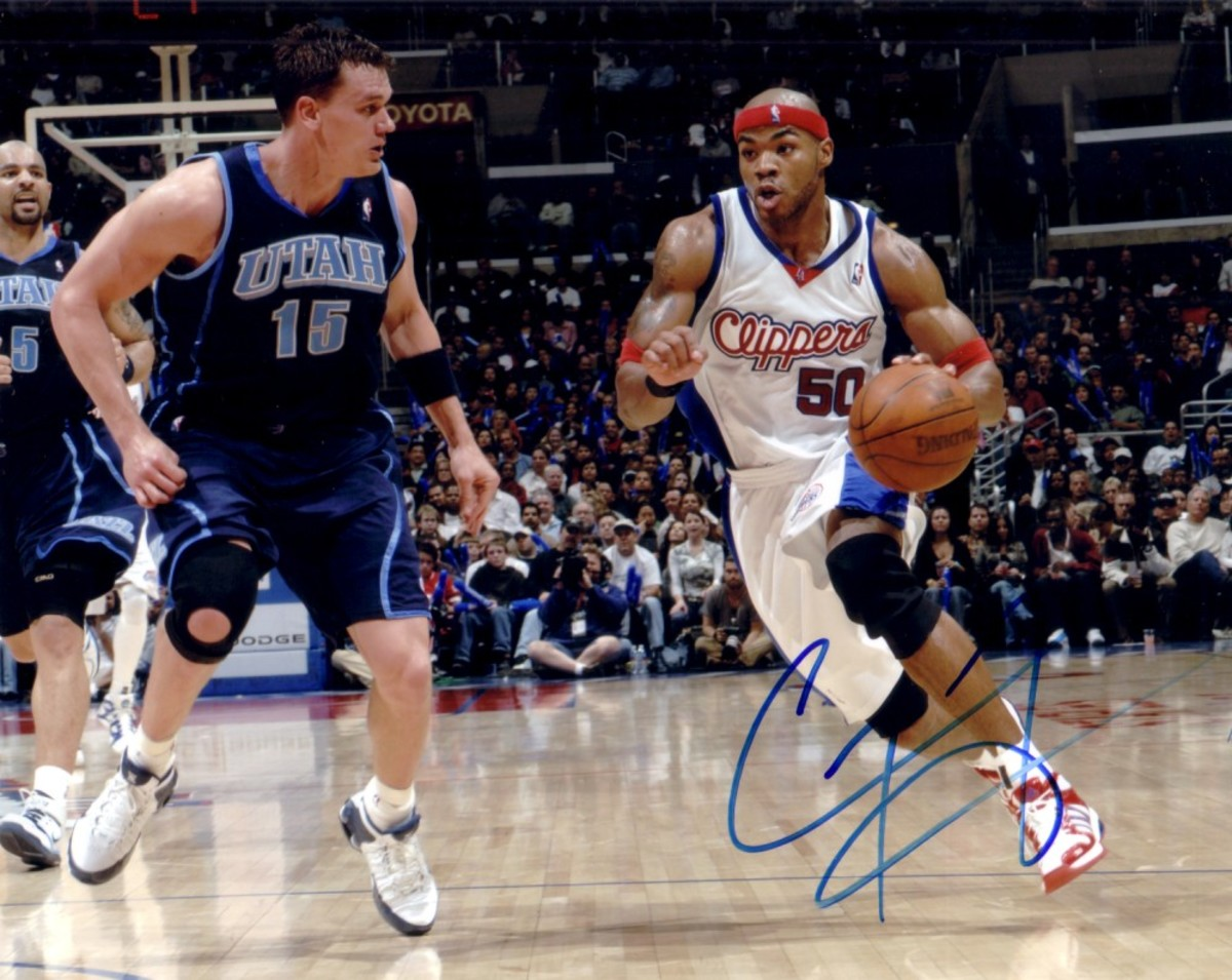 corey-maggette-autographed-los-angeles-clippers-8x10-photo-3