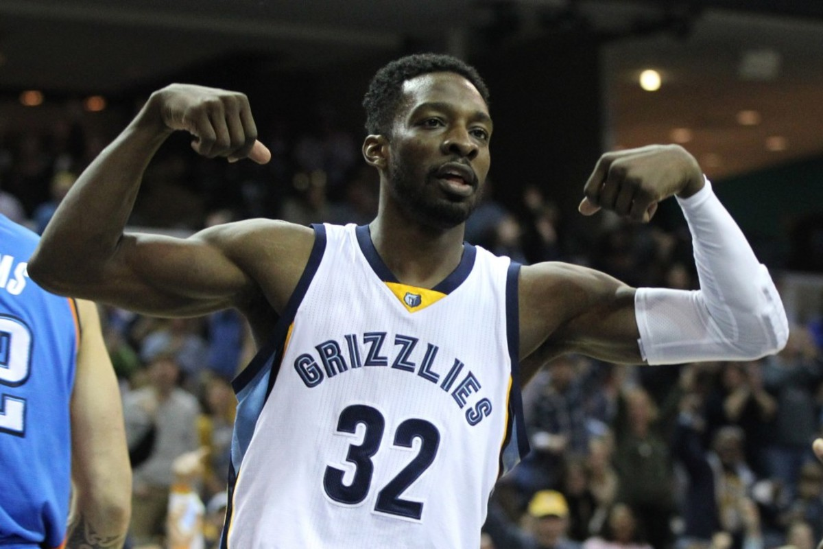 Jan 31, 2015; Memphis, TN, USA; Memphis Grizzlies forward Jeff Green (32) celebrates after a dunk during the second quarter against the Oklahoma City Thunder at FedExForum. Mandatory Credit: Nelson Chenault-USA TODAY Sports