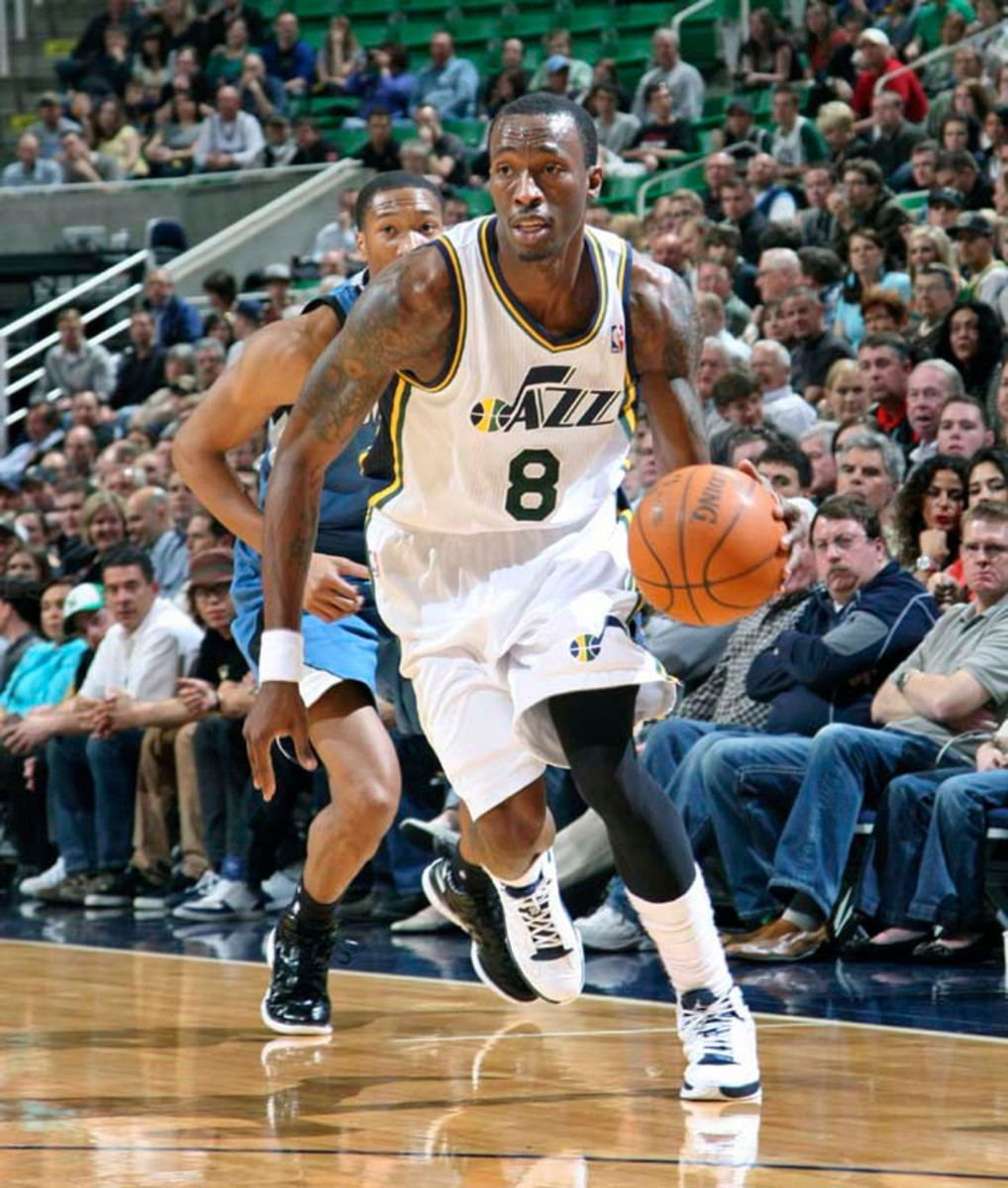Josh Howard of the Utah Jazz moves the ball against the Minnesota Timberwolves on March 15, 2012 in Salt Lake City, Utah. The Wolves have agreed to a one-year deal with the free-agent small forward. (Photo by Melissa Majchrzak/NBAE via Getty Images)