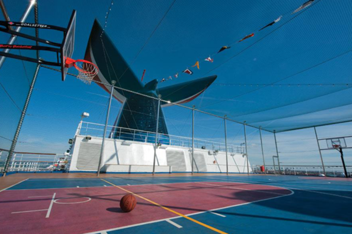 carnival-cruise-ship-basketball-court
