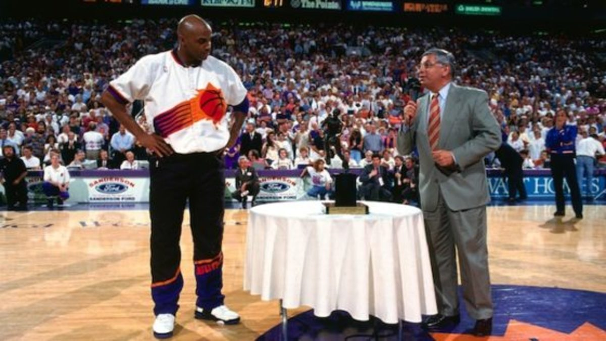 PHOENIX, AZ - MAY 13: NBA Commissioner David Stern presents Charles Barkley #34 of the Phoenix Suns the MVP trophy prior to Game Two of the Western Conference Semifinals on May 13, 1993 at the America West Arena in Phoenix, Arizona. NOTE TO USER: User expressly acknowledges and agrees that, by downloading and or using this photograph, User is consenting to the terms and conditions of the Getty Images License Agreement. Mandatory Copyright Notice: Copyright 1993 NBAE (Photo by Andrew D. Bernstein/NBAE via Getty Images)