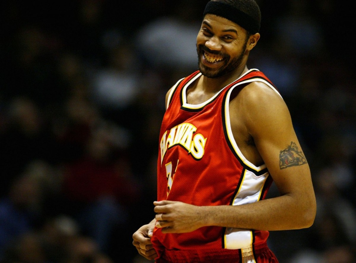 EAST RUTHERFORD, NJ - FEBRUARY 18:  Rasheed Wallace #36 of the Atlanta Hawks runs downcourt during NBA action against the New Jersey Nets February 18, 2004 at Continental Airlines Arena in East Rutherford, New Jersey.  The Nets won 98-92.  NOTE TO USER: User expressly acknowledges and agrees that, by downloading and or using this photograph, User is consenting to the terms and conditions of the Getty Images License Agreement.  (Photo by Ezra Shaw/Getty Images)