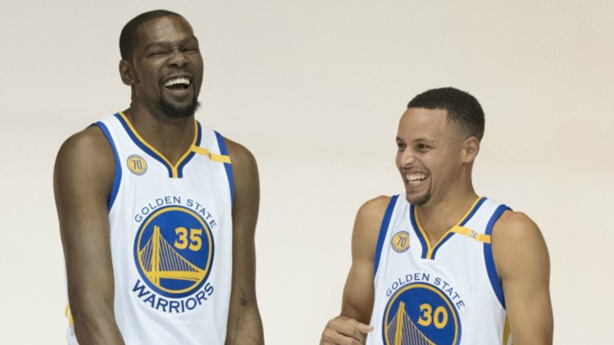 kevin-durant-and-stephen-curry-do-impressions-of-one-another