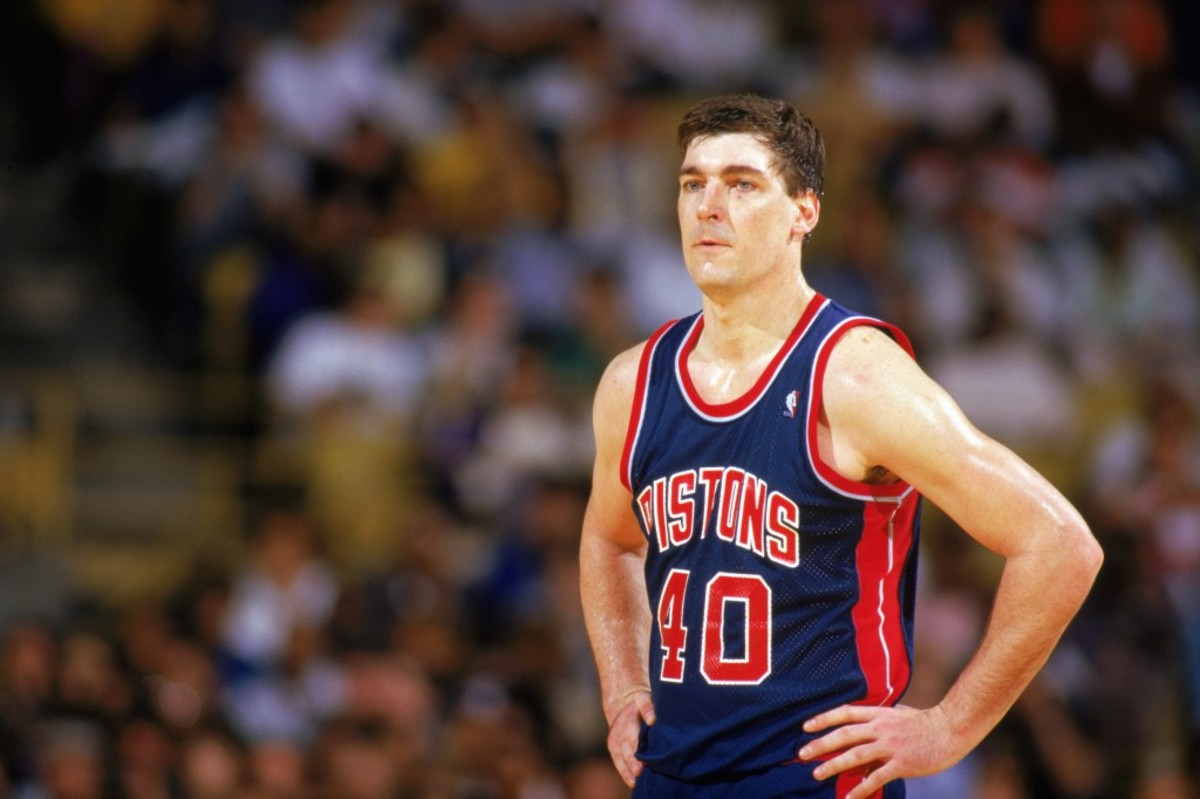 LOS ANGELES - 1987:  Bill Laimbeer #40 of the Detroit Pistons looks on during a game against the Los Angeles Lakers at the Great Western Forum in Los Angeles, California in the 1987-1988 NBA season.  (Photo by Rick Stewart/Getty Images)