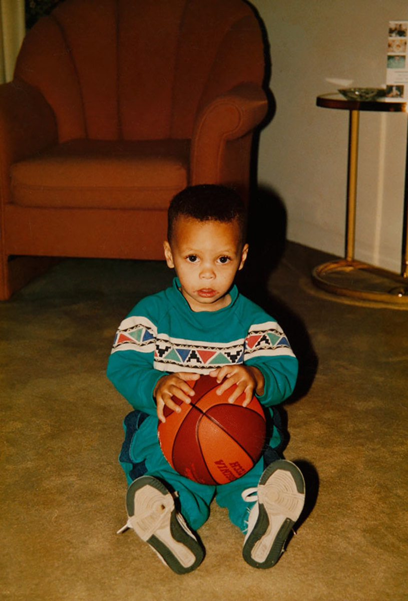 00-Stephen-Curry-childhood-076434134