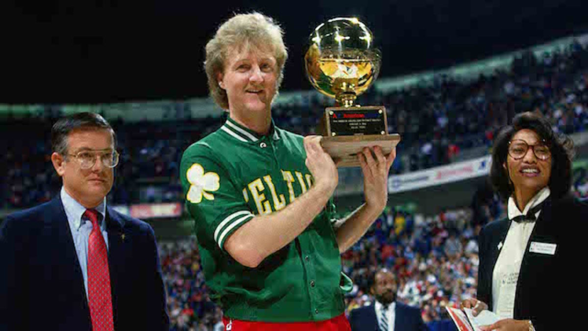 DALLAS - FEBRUARY 8: Larry Bird #33 of the Boston Celtics poses with the trophy and a check after winning the three point shootout during NBA All-Star weekend on February 8, 1986 in Dallas, Texas.  NOTE TO USER: User expressly acknowledges and agrees that, by downloading and/or using this Photograph, user is consenting to the terms and conditions of the Getty Images License Agreement.  Mandatory Copyright Notice: Copyright 1986 NBAE (Photo by Andrew D. Bernstein/NBAE via Getty Images)